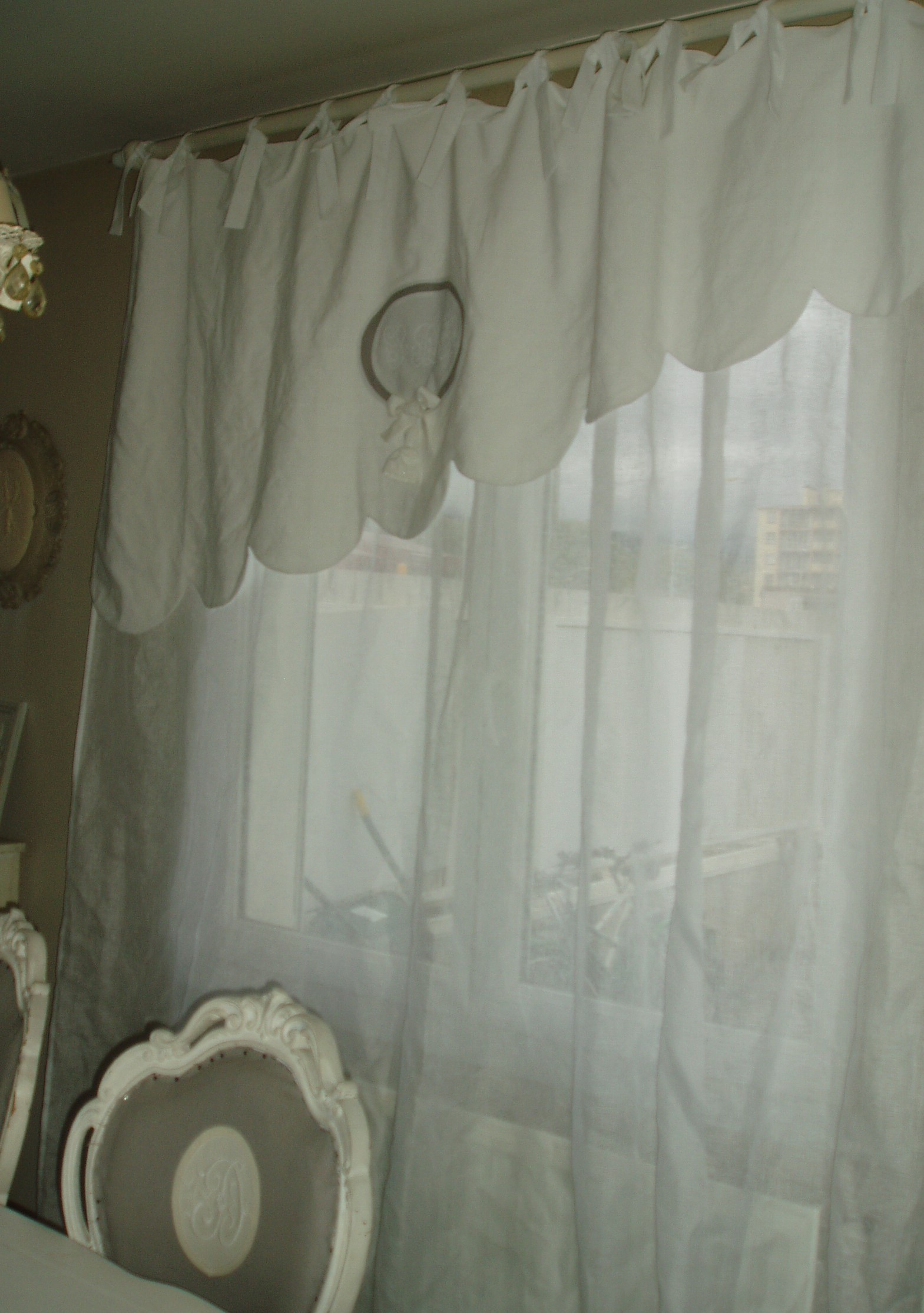 rideau bonne femme feston mh cr ations. Black Bedroom Furniture Sets. Home Design Ideas