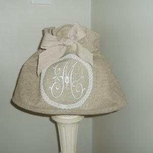 Housse ou jupe d'abatjours, jupon, dentelle, lin, shabby, toile de lin,lumière, lampe, veilleurse, suspension